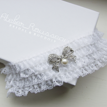 Vintage Bow Brooch Wedding Garter