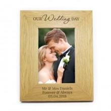 Personalised 'Our Wedding Day' Oak Finish Photo Frame (4 x 6)
