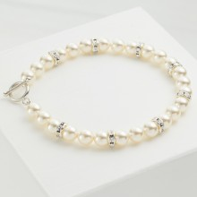 Pearl Toggle Bracelet