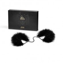 Za Za Zu Furry Feather Handcuffs