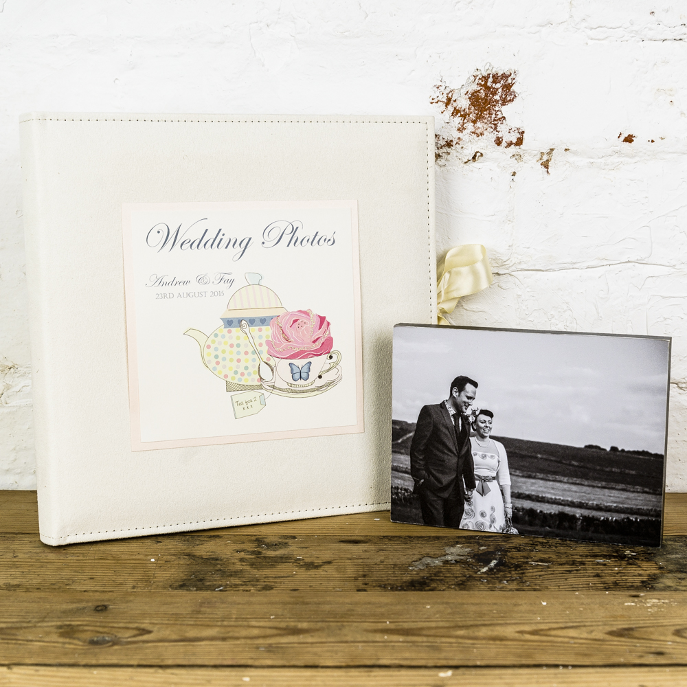 Joint Wedding Gifts For Parents : The Small album is landscape and has 50 photo sleeves to fit up to 100 ...